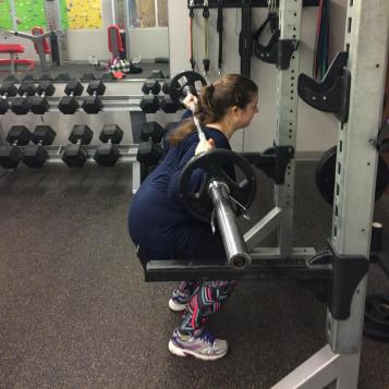nicole squats 2